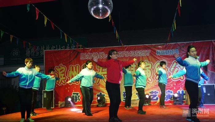 广场舞《九寨沟的春天》.