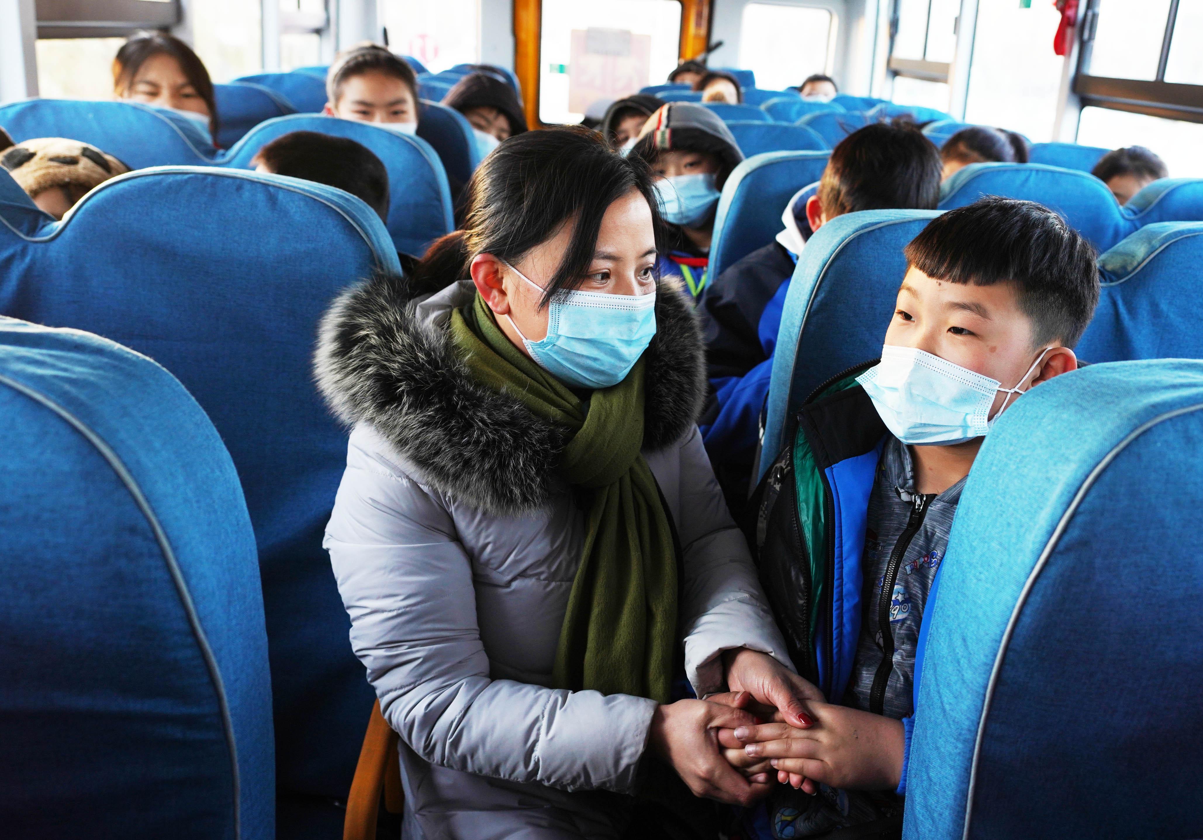 寒潮不怕,邹平市增加30余辆校车温暖孩子上学路