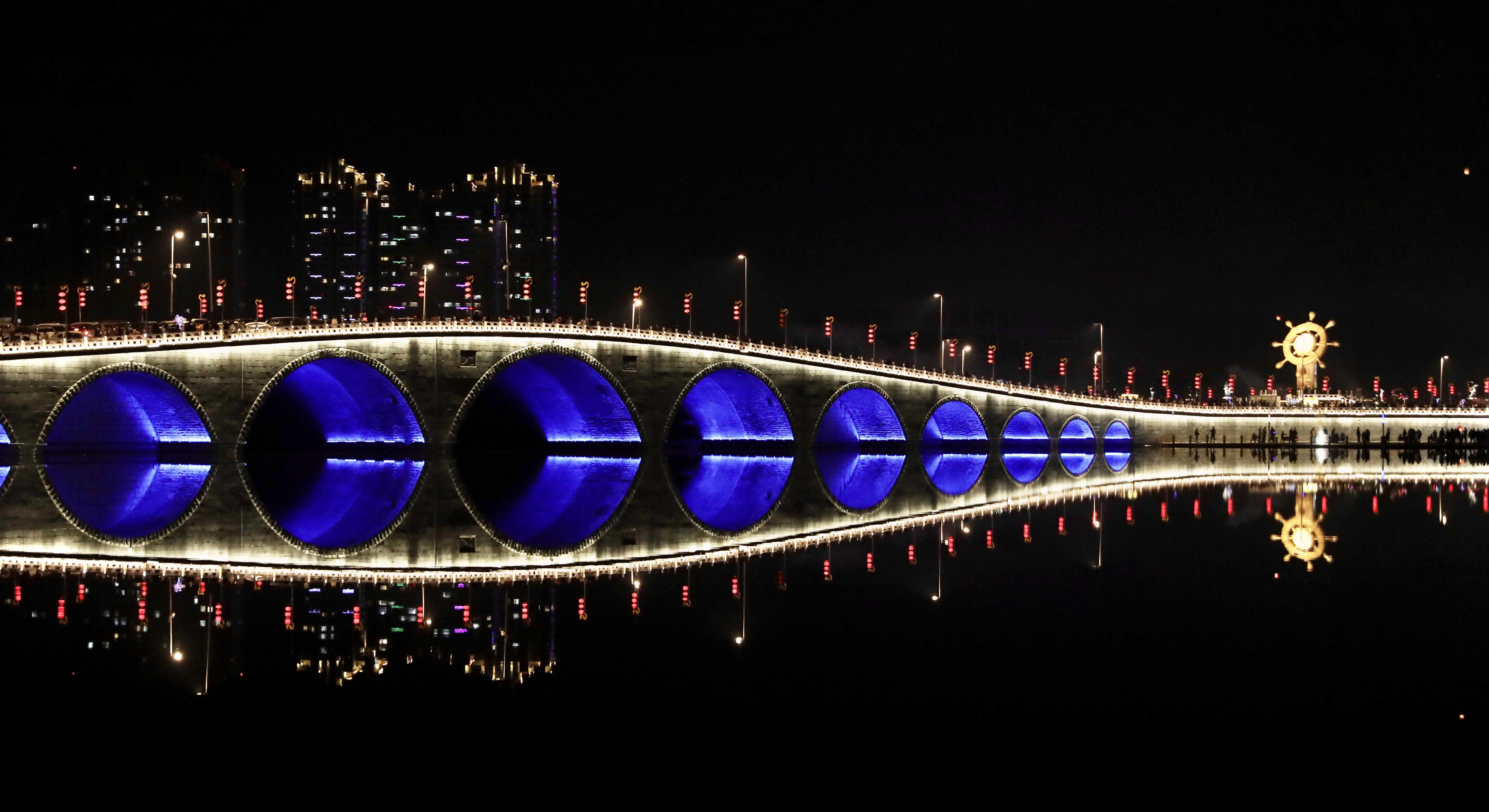 滨州中海:繁光远缀 用灯光温暖这个春节