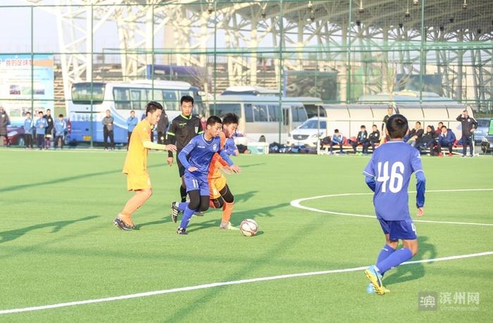 天津泰达足球比赛
